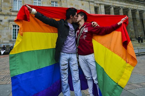 homosexual uruguay-legaliza-matrimonio-homosexual_3_1647038