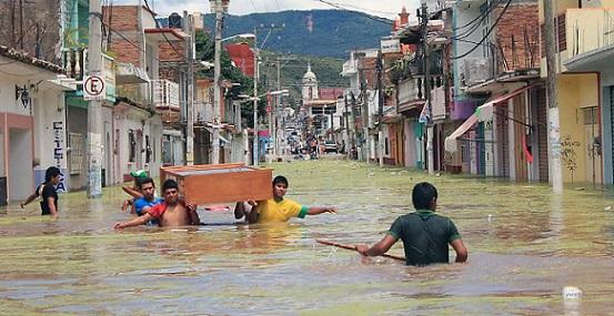 Efectos de la tormenta tropical Manuel en Tixtla, Guerrero, 2013 (Foto: Tomada de CNN).