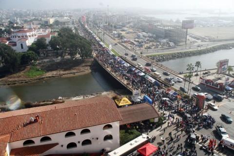 """Cinco días estará Ensenada al servicio de los organizadores de la """"Baja 500"""". El bulevar costero estará cerrado al paso vehicular (Foto: internet)"""