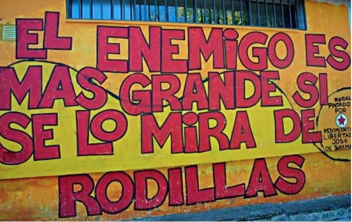 ENEMIGO Y RODILLAS