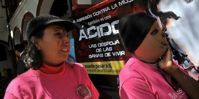 MUJERES PROTESTA ACIDO