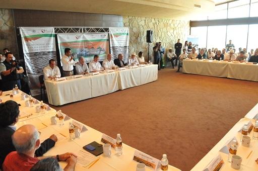 Ceremonia de presentación del Sistema Estatal contra la Sequía y el Cambio Climático (Foto: Ayuntamiento Ensenada).