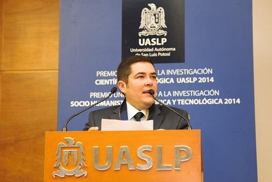 El doctor Francisco Javier González Contreras, investigador de la Universidad Autónoma de San Luis Potosí y miembro de la Academia Mexicana de Ciencias (Foto: Elizabeth Ruiz Jaimes/AMC).