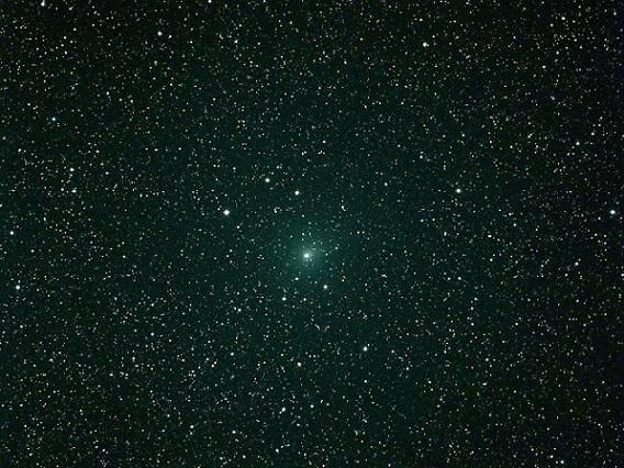 Imagen publicada por la NASA del Cometa Hartley2, capturada el 6 de octubre de 2010 en Gainesville, Florida (Foto: Byron Bergert).