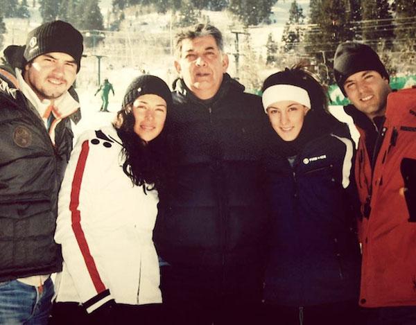 José Murat y sus hijos durante un viaje de vacaciones a Utah, en donde la familia tiene otros condominios. La fotografía fue posteada en Facebook en 2013.