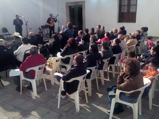 """En la presentación del disco """"Música de Antaño"""" (Foto: Página 8)."""