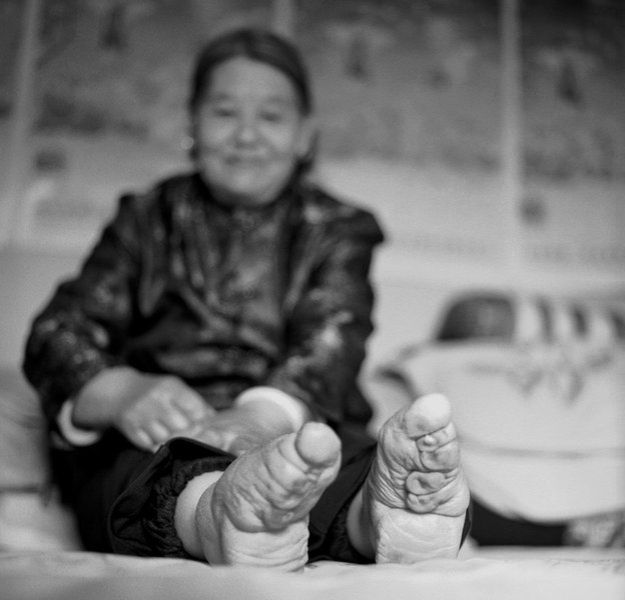 """Su Xi Rong dice que era famosa por sus bellos pies, pequeños y """"correctamente formados""""."""