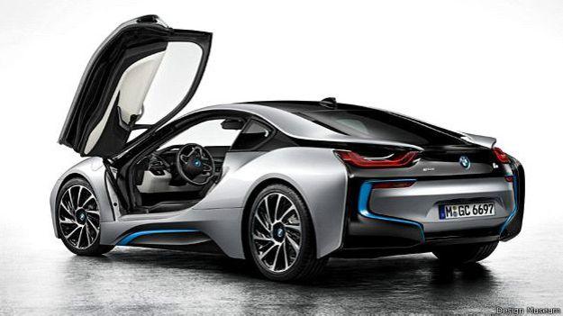 Como en años anteriores, los nominados en la sección de transporte se centran principalmente en la producción ecológica y la eficiencia. El modelo plug-in híbrido i8 de BMW ha logrado aumentar la eficiencia debido a su construcción con materiales ligeros.
