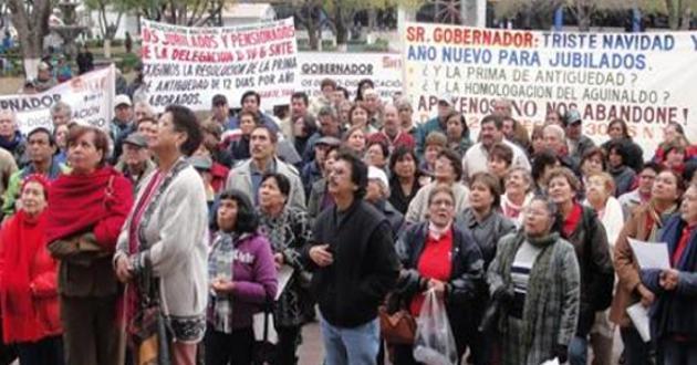 MAESTROS JUBILADOS PROTESTA