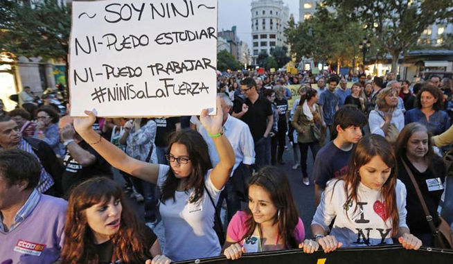 JOVENES PROTESTA NINIS
