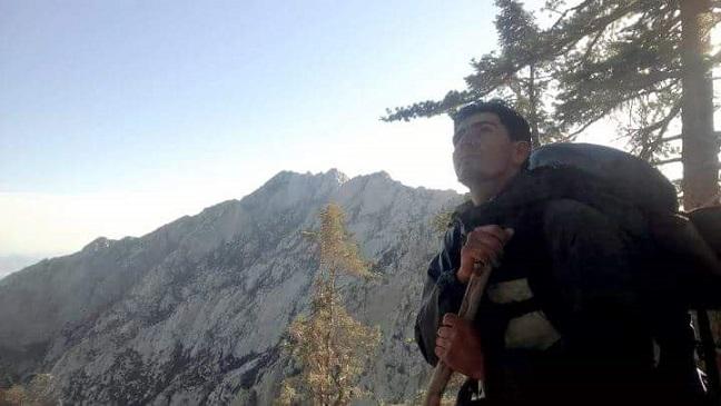 """Víctor López -""""El Rayo de Ensenada""""- y el coloso de Baja California: el Picacho del Diablo (Fotos: cortesía)"""