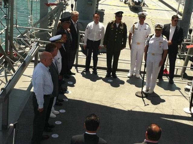 El presidente Peña Nieto a su arribo al buque Usumacinta de la Secretaría de Marina-Armada de México (Foto: Frontera).