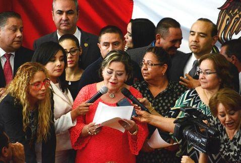 Legisladores de Chihuahua, al momento de anunciar que frenaron las candidaturas independientes en el estado norteño (Foto:  Milenio).