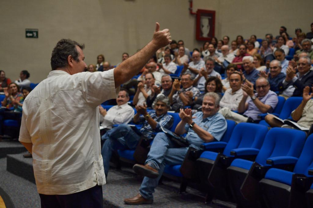GRAEF ULTIMO INFORME APLAUSO AUDITORIO (2)