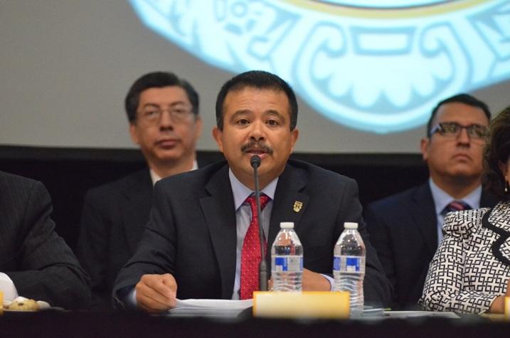 El rector al momento de presentar el plan universitario (Foto: Cortesía UABC).