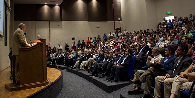 el director general del CONACYT, doctor Enrique Cabrera Mendoza , en la ceremonia de toma de protesta del nuevo director general del CICESE (Foto: Cortesía CICESE)