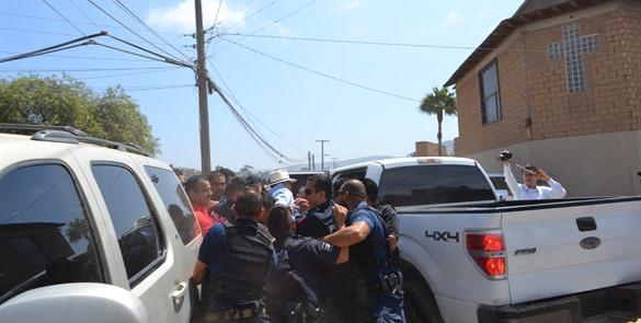 El vergonzoso enfrentamiento en San Anita (Foto: El Mexicano),