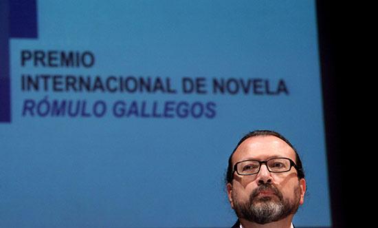 WILLIAM OSPINA PREMIO ROMULO GALLEGOS