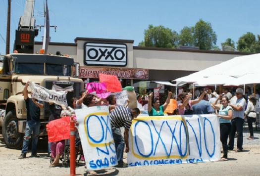 OXXO PROTESTA SAN ANTONIO MINAS