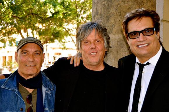 Virulo con Amaury Pérez (primero a la derecha), otro grande de la Nuev Trova Cubana (Foto: internet).