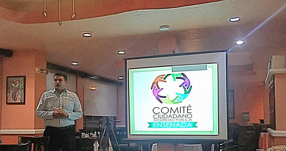 El licenciado Alatorre, en una charla sobre el Consejo Ciudadano de Seguridad Pública de Ensenada (Foto: internet).