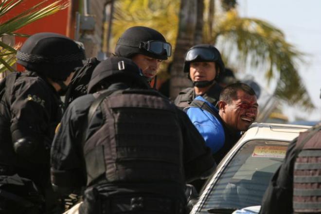 POLICIAS EXCESOS SAN QUINTIN
