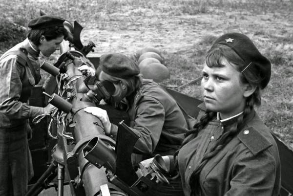 La imagen corresponde a la ofensiva del Ejército Rojo en 1945, cuando se disponía a cruzar el río Oder, en lo que sería la batalla final soviética que venció al ejército de Hitler