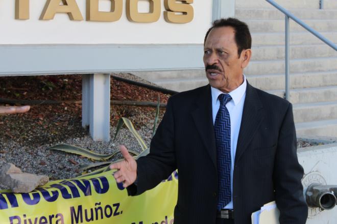 """Fernando Santillán, el """"propietario"""" del Partido Municipalista. Le comen el mandado (Foto: La Jornada BC)."""