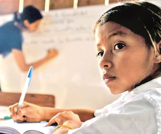 Las leyes y la Constitución reconocen el derecho de los pueblos indígenas a mantener sus lenguas pero no se han satisfecho sus necesidades primordiales como el acceso a la educación básica en su idioma (Foto: internet).