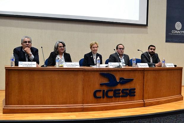 Los panelistas del foro (Cortesía CICESE).