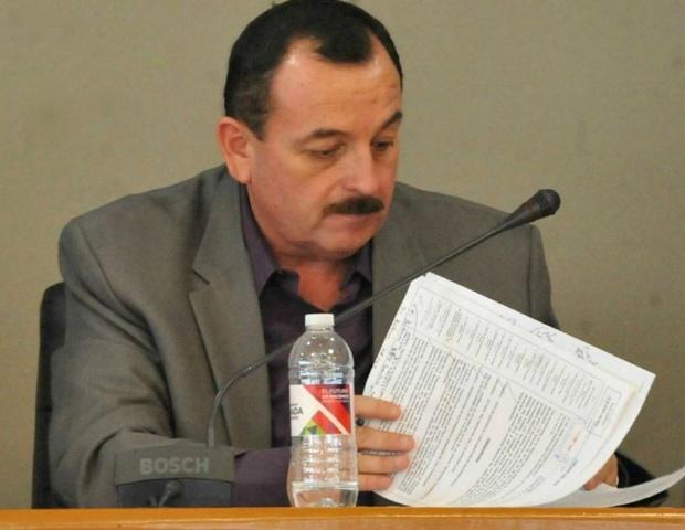 El secretario fedatario del XXI Ayuntamiento, Jesús Jaime González, también se irá de la administración municipal en junio (Foto: Ayuntamiento Ensenada).