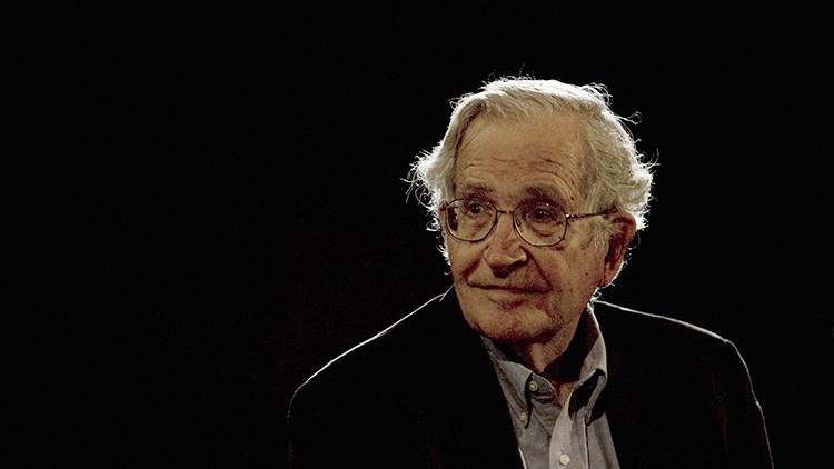 Chomsky, por Reuters