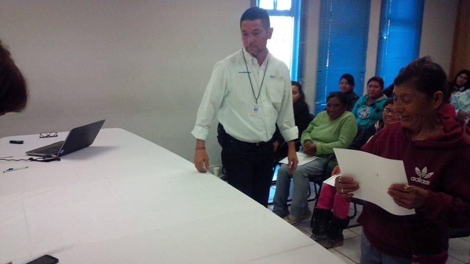 EMPLEADO CHAPUCERO PAN CARLOS LOYOLA 1