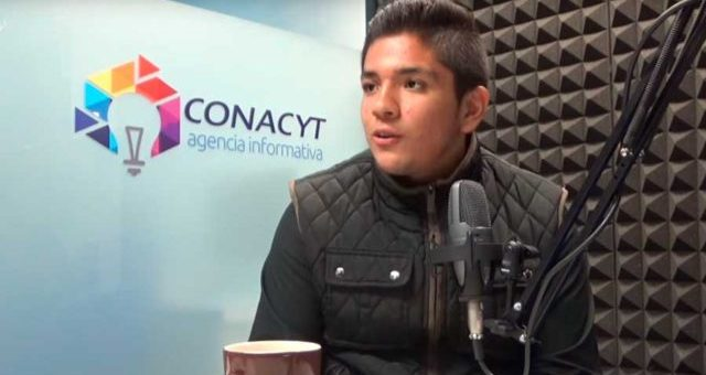 Estudiante mexicano gana medalla de oro en Canadá por fertilizante con base de orina