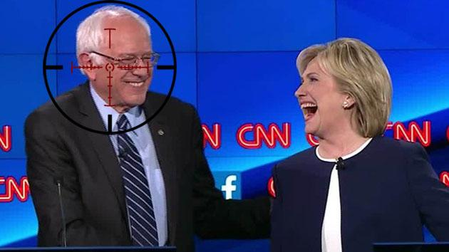 Hilary Clinton con Bernie Sanders (sinpermiso.info).
