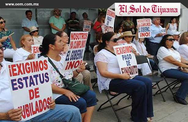 MAESTROS JUBILADOS BC PROTESTA