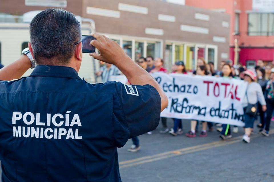 MARCHA REFORMA EDUCATIVA EDA POLICIA