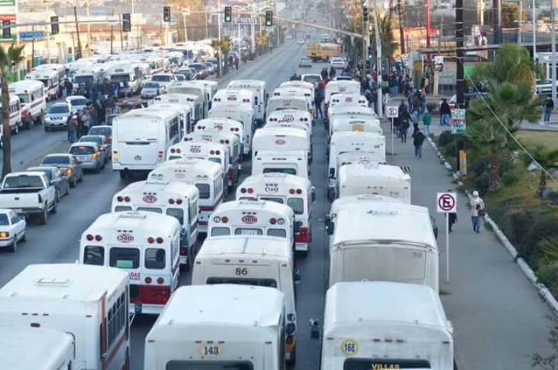 Meses pasaron desde que los transportistas urbanos de Ensenada paralizaron ilegalmente sus actividades un día y medio y no hubo sanción alguna para ellos (ensenadaonline.net).