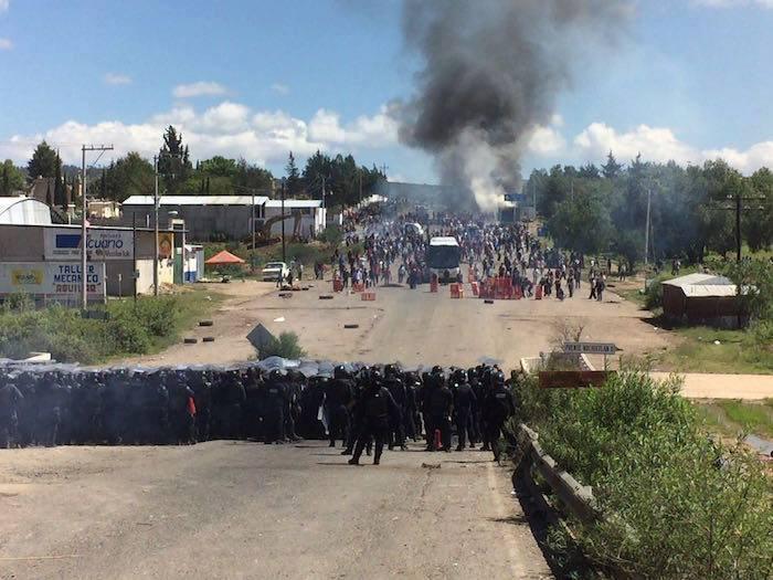 NOCHIXTLAN POLICIAS Y MAESTROS 2016