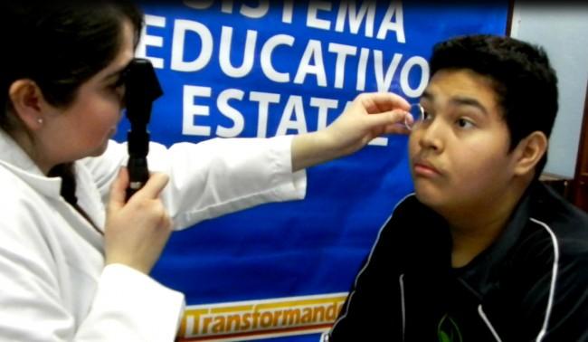 Servicios ópticos para estudiantes de educación básica de BC (Foto: gobierno del estado).