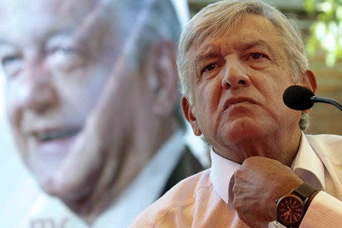 El liderazgo de AMLO al frente de Morena es indiscutible (Milenio).
