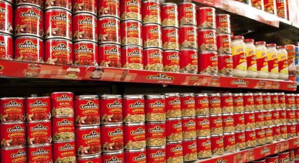 Más de 12 mil latas de chiles La Costeña fueron confiscadas para ser analizadas y determinar si el producto está contaminado.