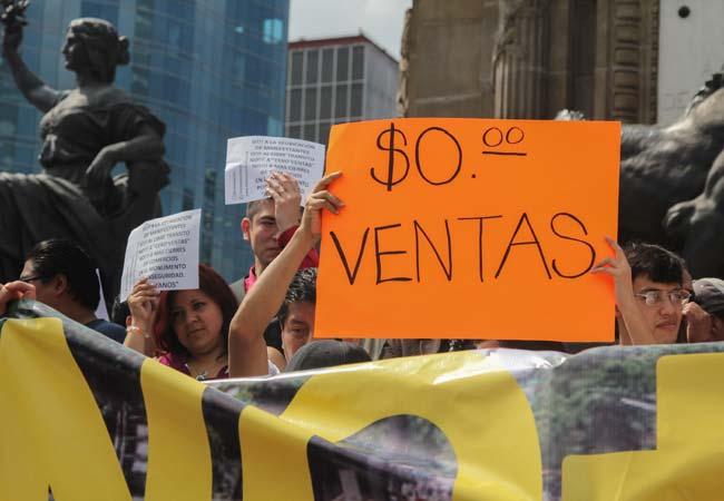 MANIFESTANTES VS CNTE 0 VENTAS