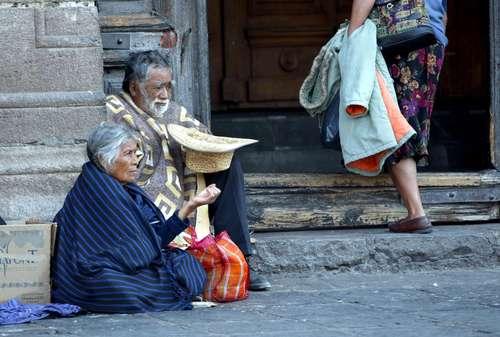 ancianos-limosneros