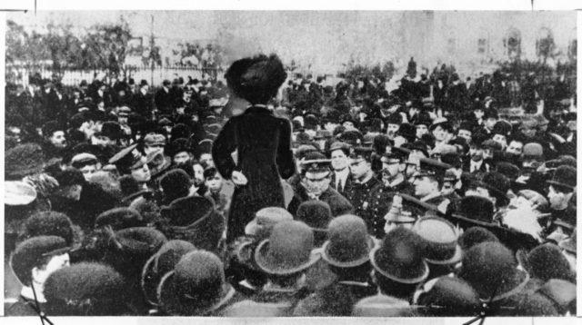 La lucha por el salario, junto a las demandas por la libertad y la igualdad deben ser el eje del movimiento femenista que entiende la vigencia de la lucha de clases, de acuerdo al concepto de la antropóloga Martha Lamas