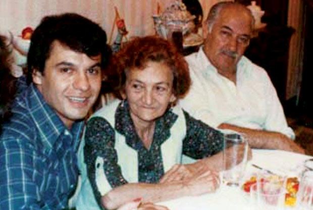juan gabriel mamá Victoria Valadez y su tío Gabriel Foto Revista Quien