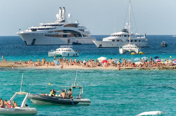 varias-embarcaiones