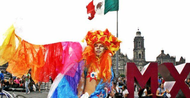 trasvesti-marcha-orgullo-gay-en-cdmx