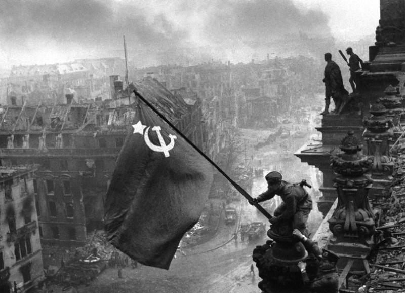 revolucion-rusa-bandera-comunista