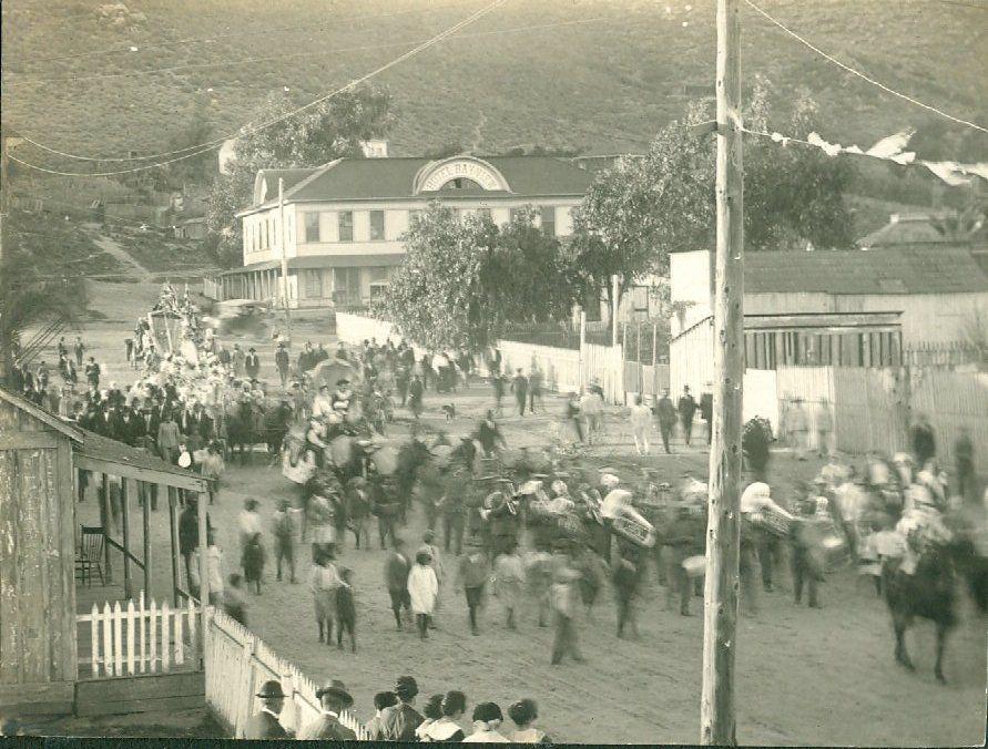 carnaval-ensenada-antigua-foto